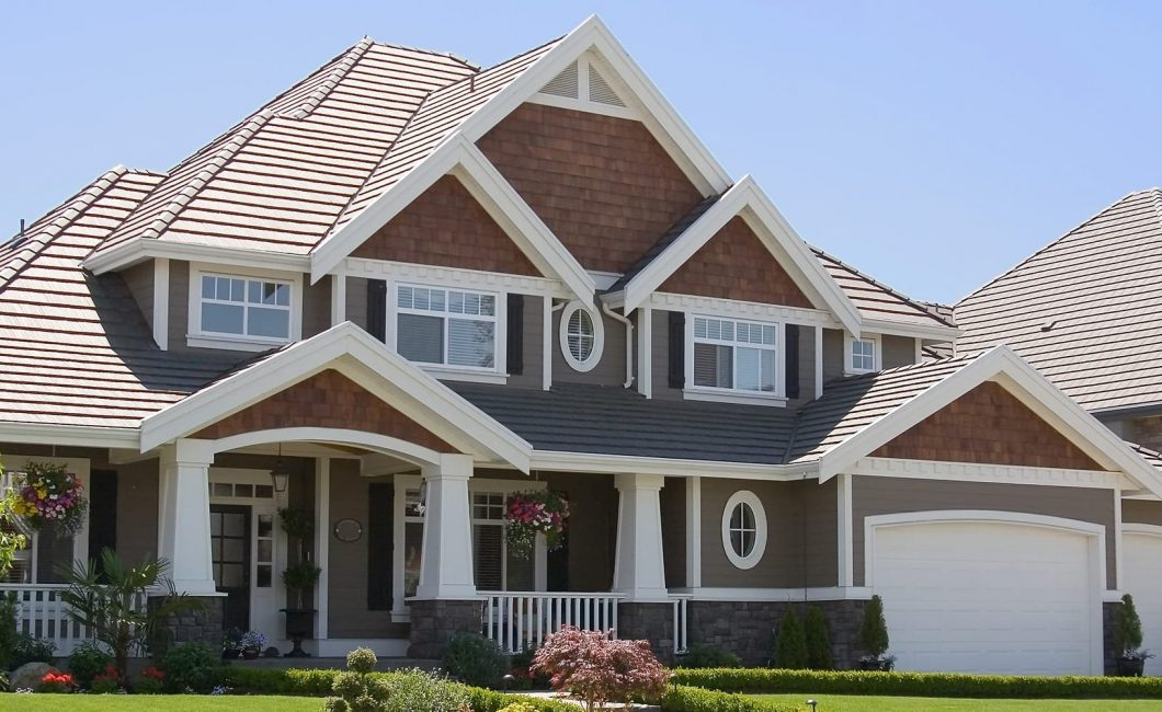 Reasons why you need to hire a roofing contractor bbrencontre - Roofs reason why you need a permanent one ...
